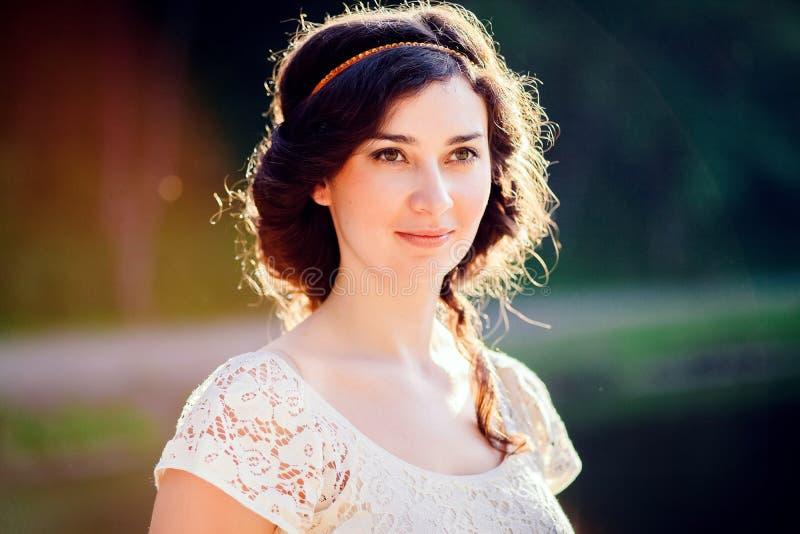 Vrouw in Griekse haarstijl royalty-vrije stock afbeeldingen