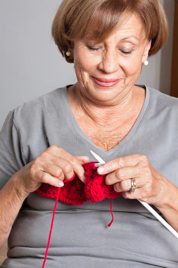 Vrouw het Breien royalty-vrije stock foto