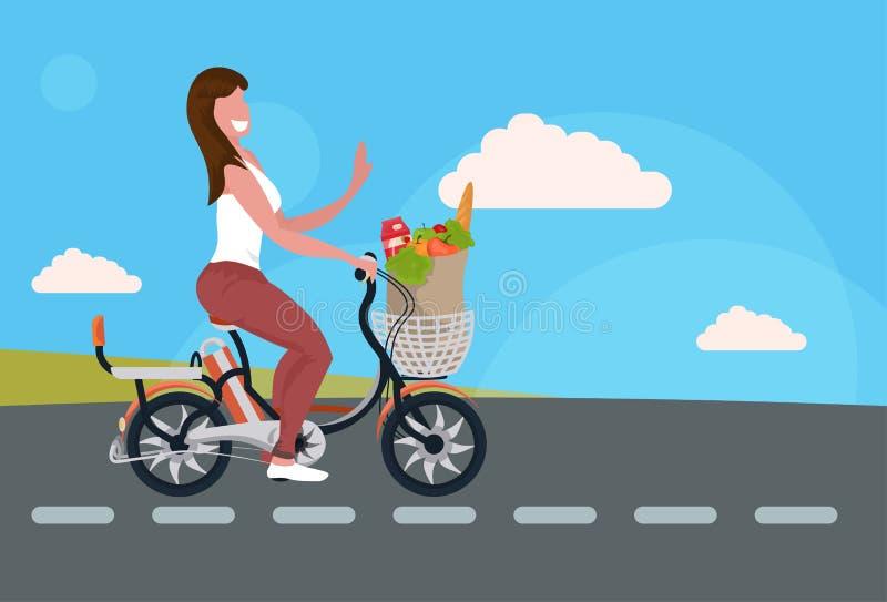 Vrouw het cirkelen fiets dragende document zak met van het het conceptenmeisje van de voedselkruidenierswinkel het winkelende kar royalty-vrije illustratie