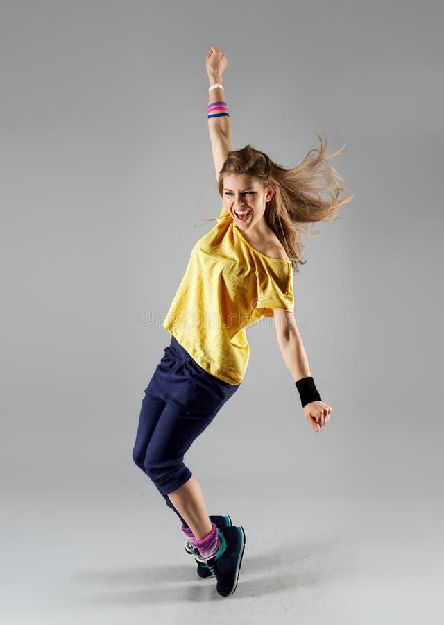 Vrouw het dansen zumba royalty-vrije stock afbeeldingen