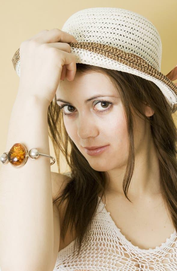 Download Vrouw in hoed stock foto. Afbeelding bestaande uit haar - 10780978
