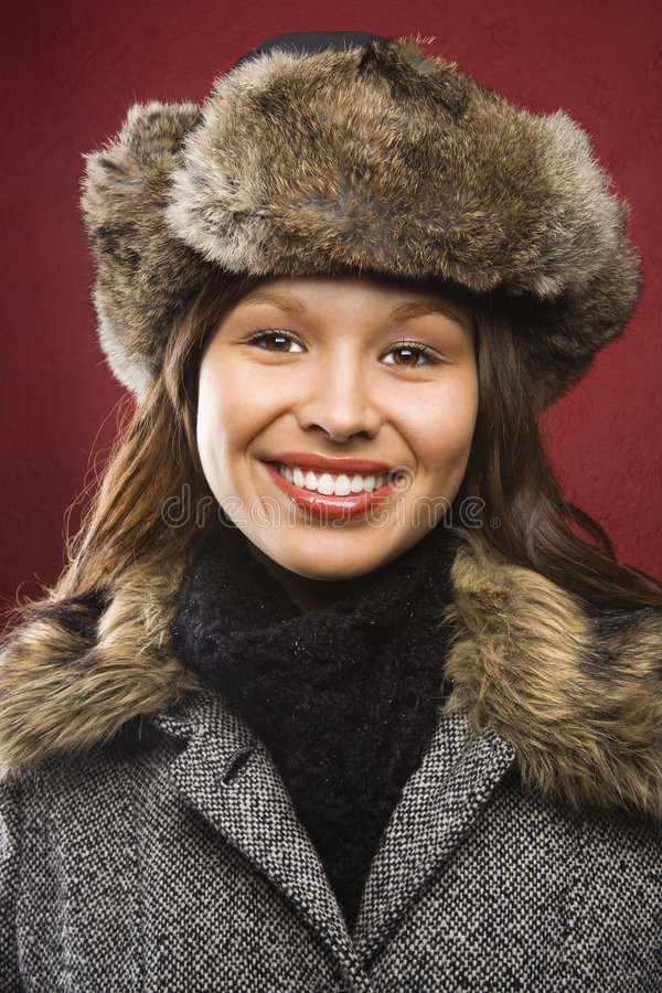 Vrouw in hoed en laag. stock foto's