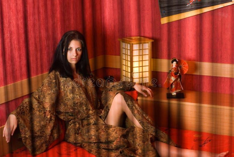 Vrouw in kimono royalty-vrije stock afbeelding