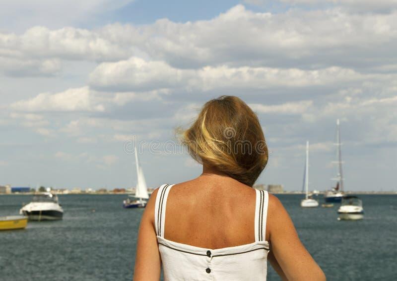Vrouw in Krim stock afbeeldingen