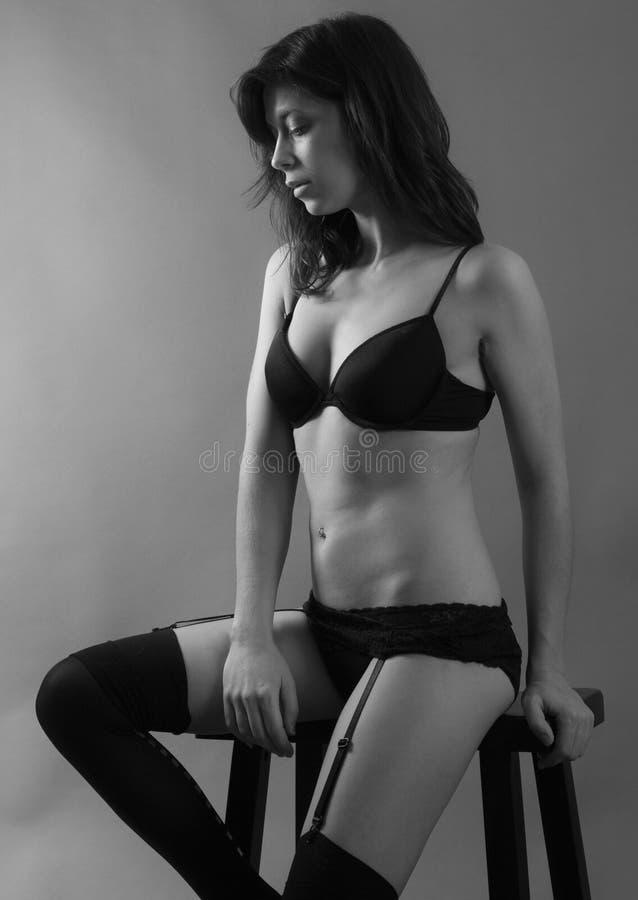 Download Vrouw in lingerie stock afbeelding. Afbeelding bestaande uit haar - 54082057