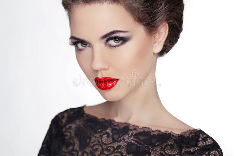 Vrouw makeup staar Uitstekende Stijl Geheimzinnige Dame Retro femal stock foto