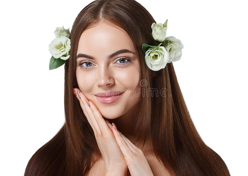 Vrouw met bloemen in haar mooi portret met lang verbazend haar stock foto's