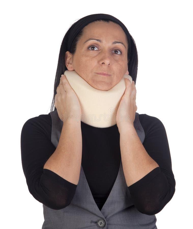 Vrouw met cervicale kraag stock fotografie