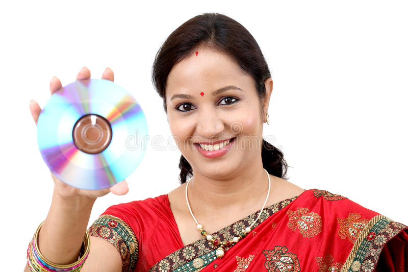 Vrouw met compact disc stock fotografie