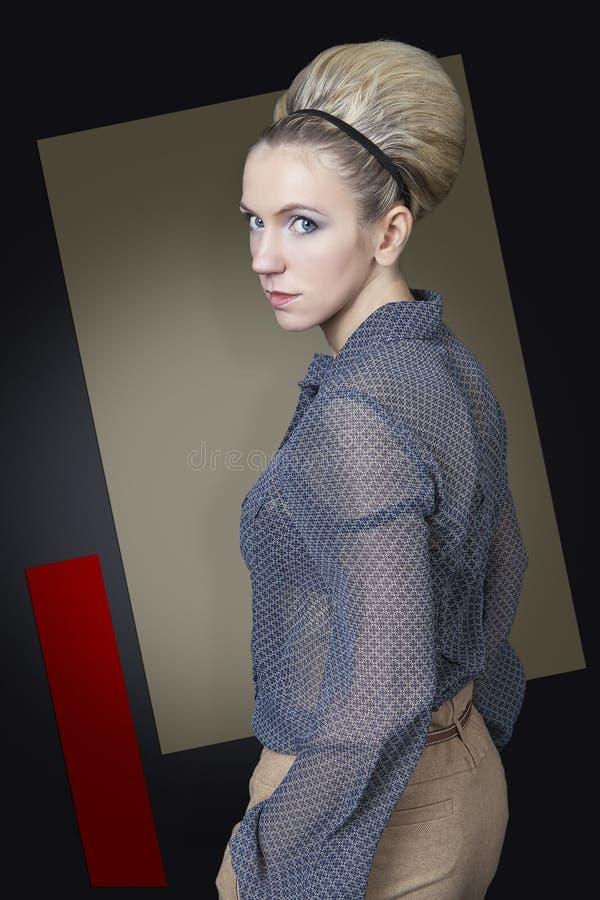 Vrouw met een groot kapsel royalty-vrije stock foto's