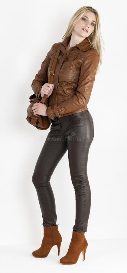 Vrouw Met Een Handtas Royalty-vrije Stock Foto's