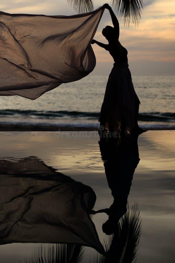 Vrouw met een sjaal royalty-vrije stock foto