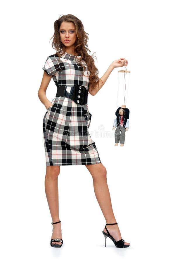 Vrouw met een stuk speelgoed stock fotografie