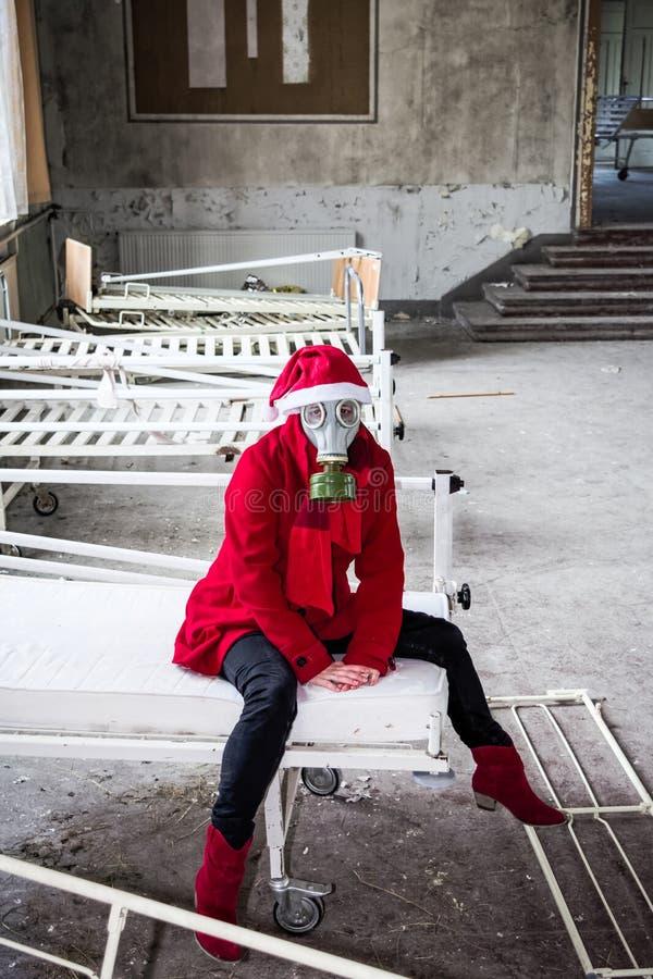 Vrouw met gasmasker stock afbeeldingen