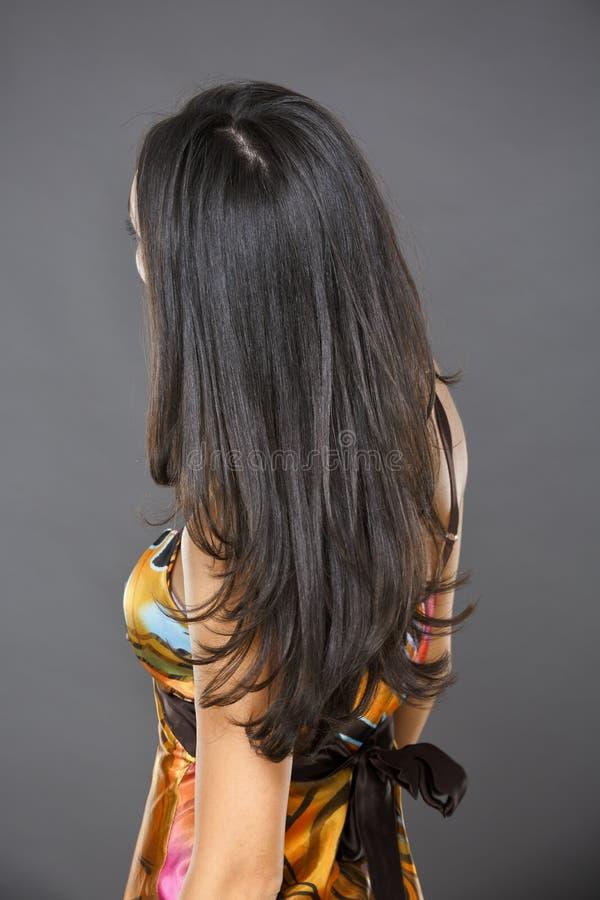Vrouw met lang haar stock foto