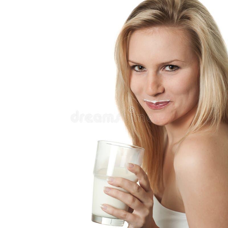 Vrouw met melksnor royalty-vrije stock fotografie