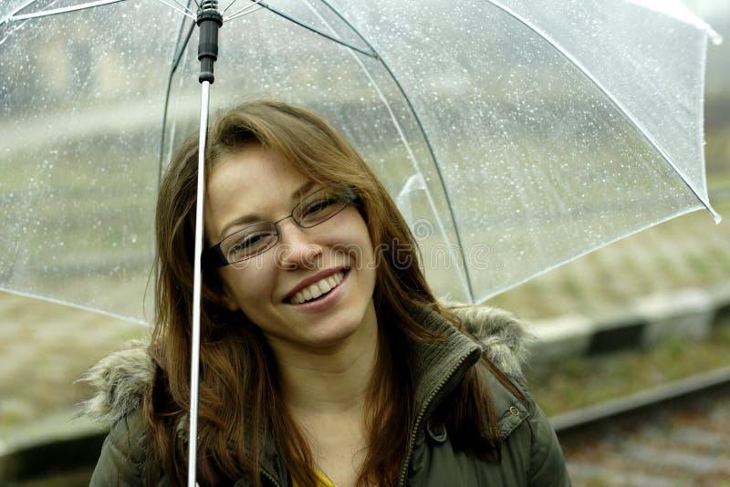 Vrouw met paraplu stock fotografie