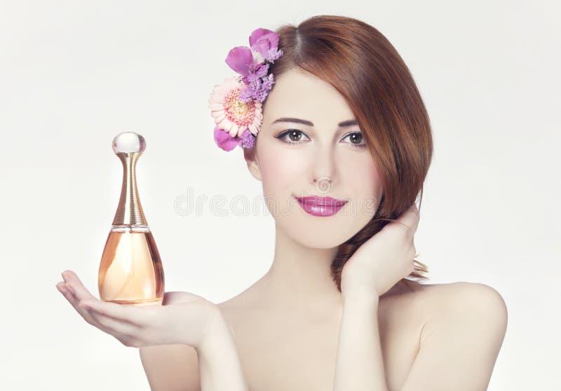 Vrouw met parfum royalty-vrije stock fotografie