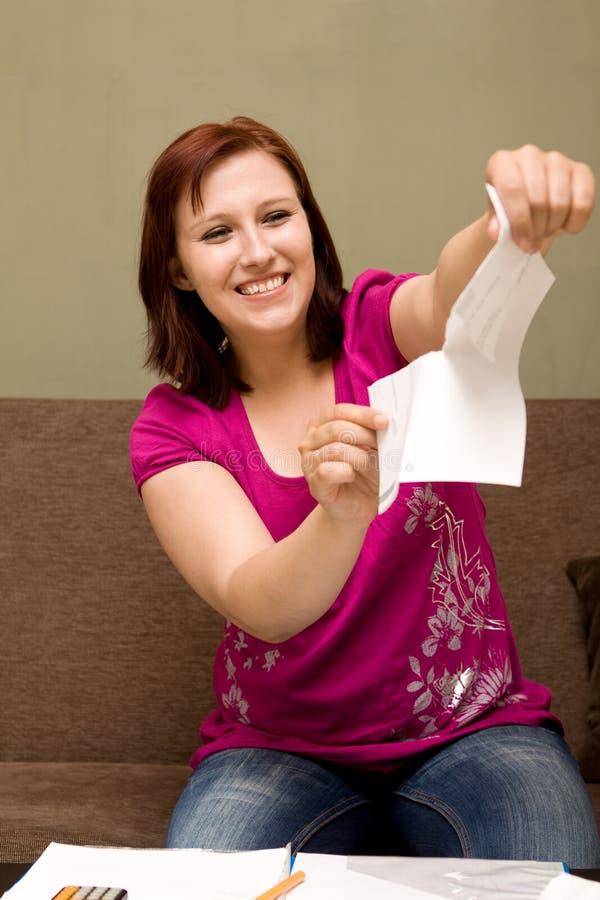 Vrouw met rekeningen stock afbeeldingen