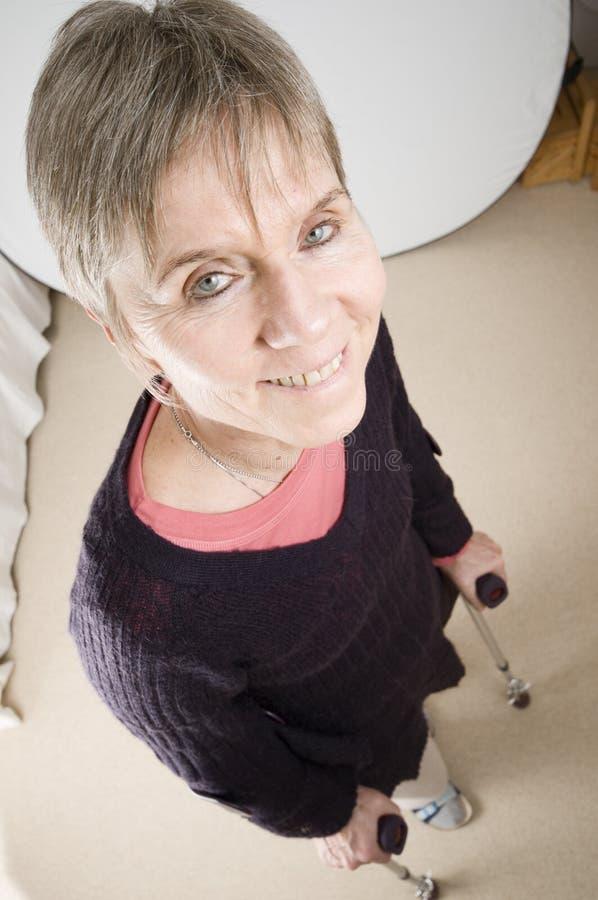 Vrouw met steunpilaren royalty-vrije stock fotografie
