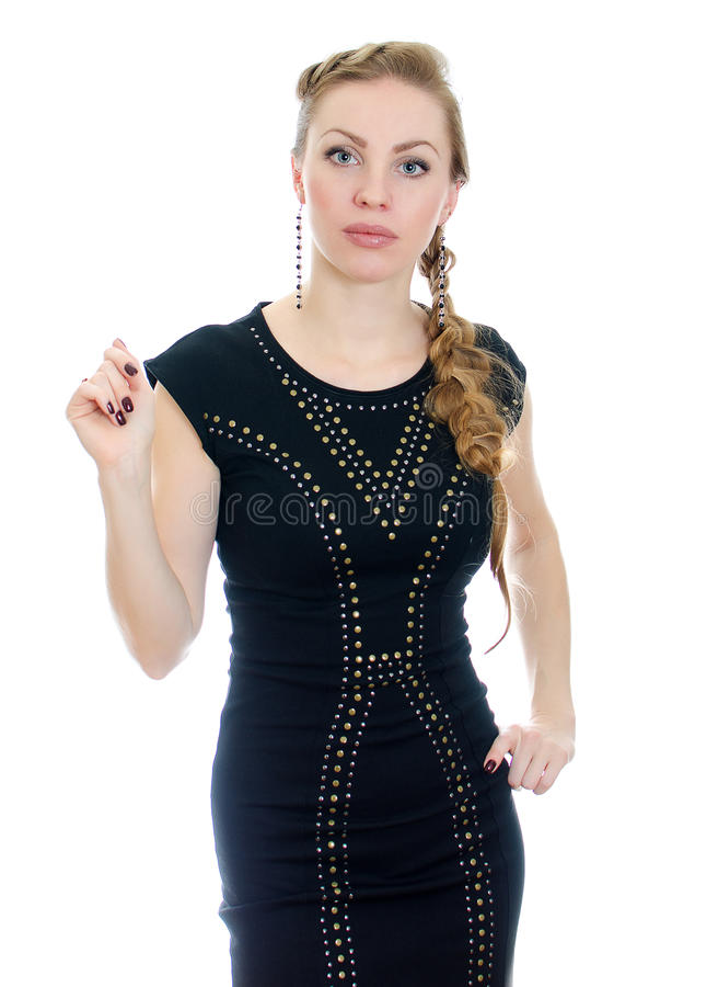Vrouw met vlecht in zwarte kleding stock afbeelding