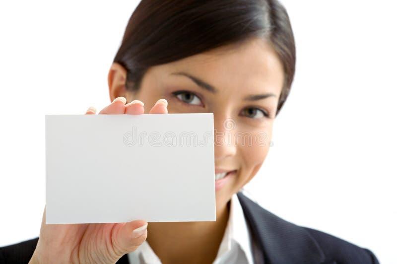 Vrouw met witte kaart stock fotografie