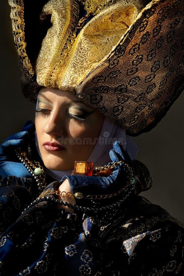 Vrouw in middeleeuws kostuum royalty-vrije stock foto
