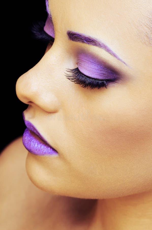 Vrouw in mooie make-up stock afbeelding