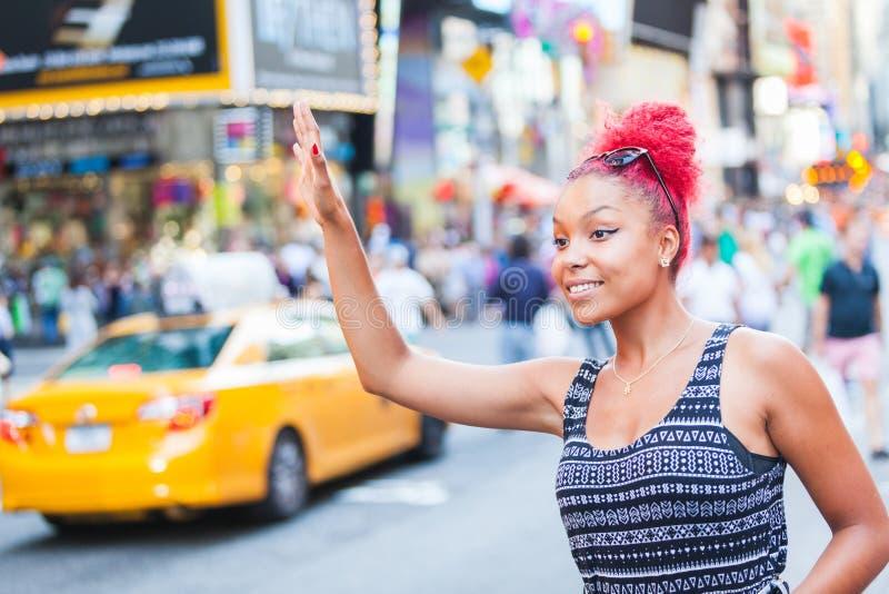 Vrouw in New York stock foto's