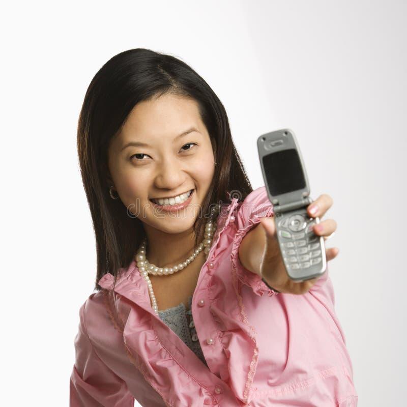 Vrouw op celtelefoon. royalty-vrije stock afbeeldingen