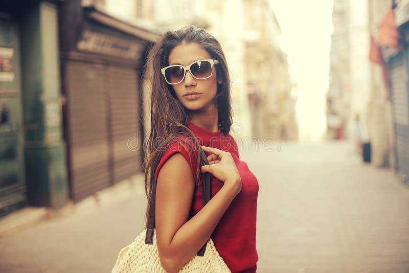 Vrouw op de straat stock fotografie