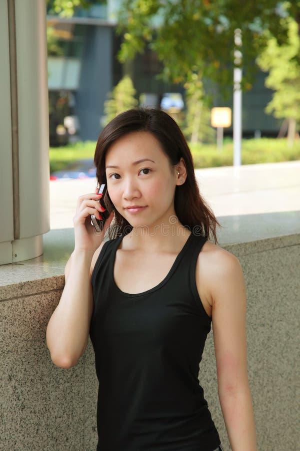 Vrouw op de Telefoon royalty-vrije stock fotografie