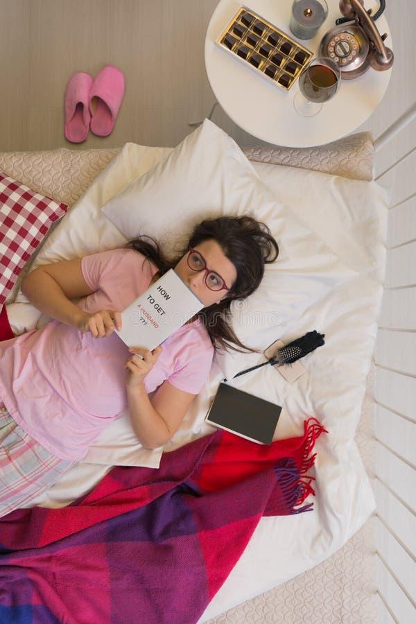 Vrouw in Pyjama's royalty-vrije stock foto