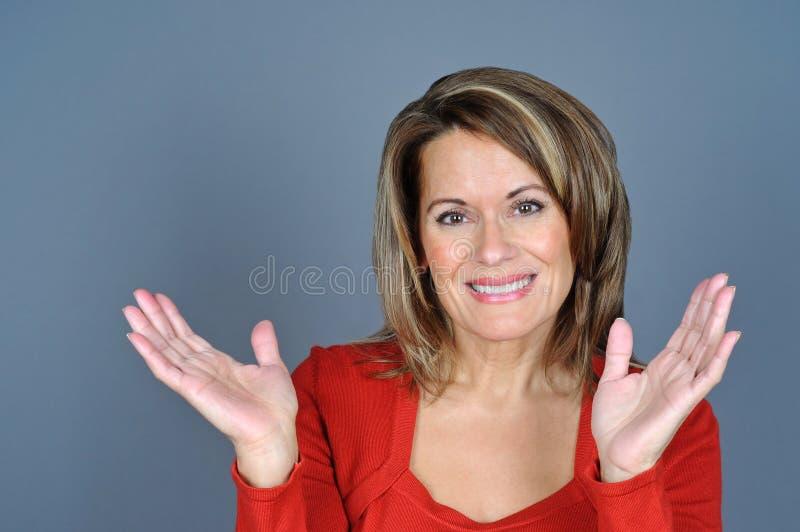 Vrouw in Rode Sweater royalty-vrije stock foto