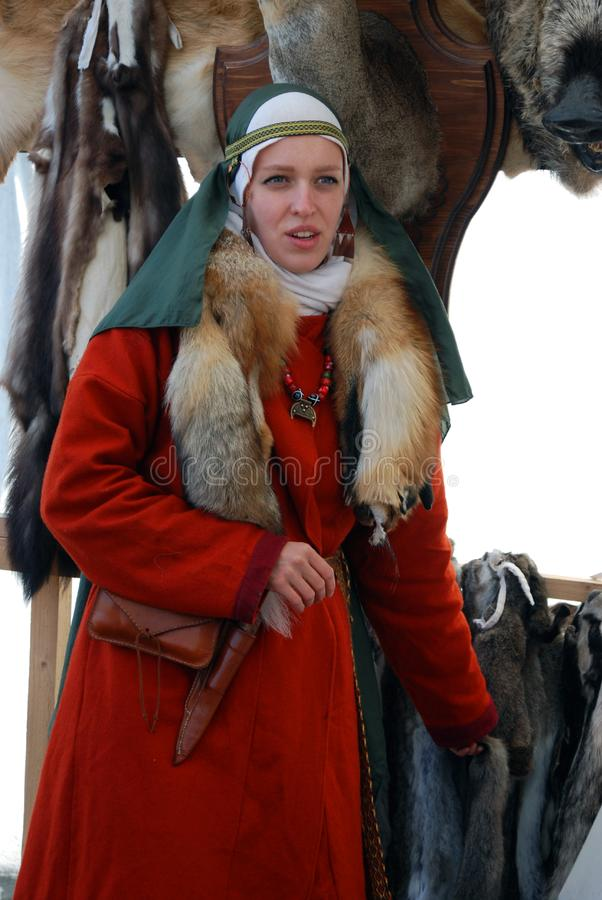 Vrouw in rood portret royalty-vrije stock foto's
