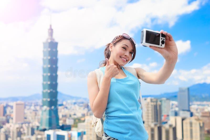 Vrouw selfie gelukkig stock fotografie