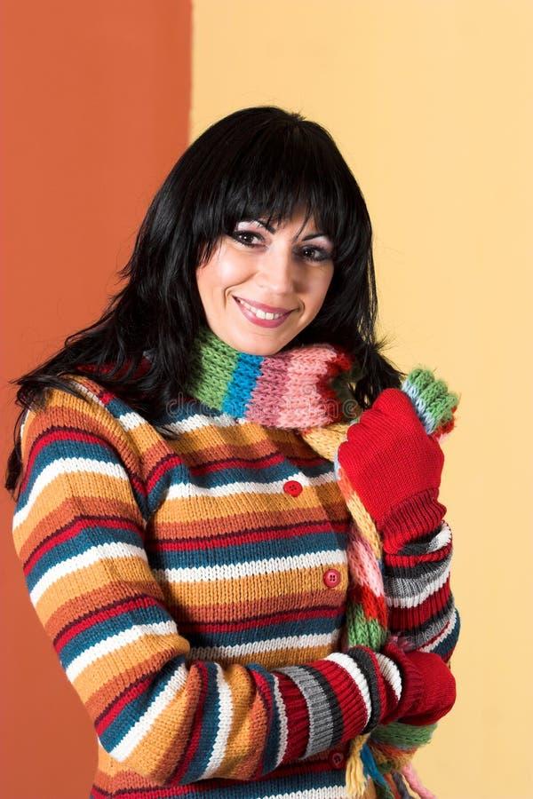Vrouw in sweaterkleding royalty-vrije stock foto's