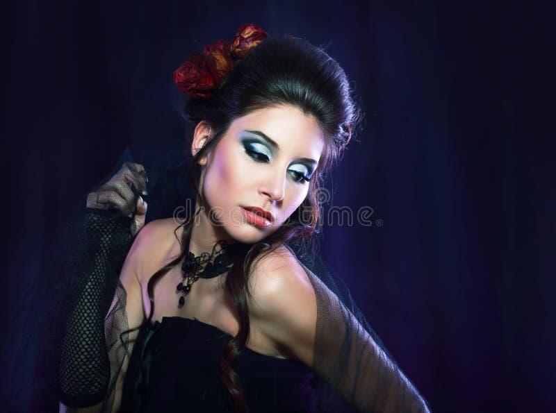 Vrouw van de vampier victorian stijl stock fotografie