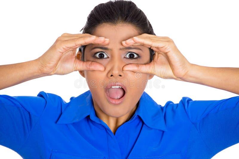 Vrouw verrast gluren stock afbeeldingen