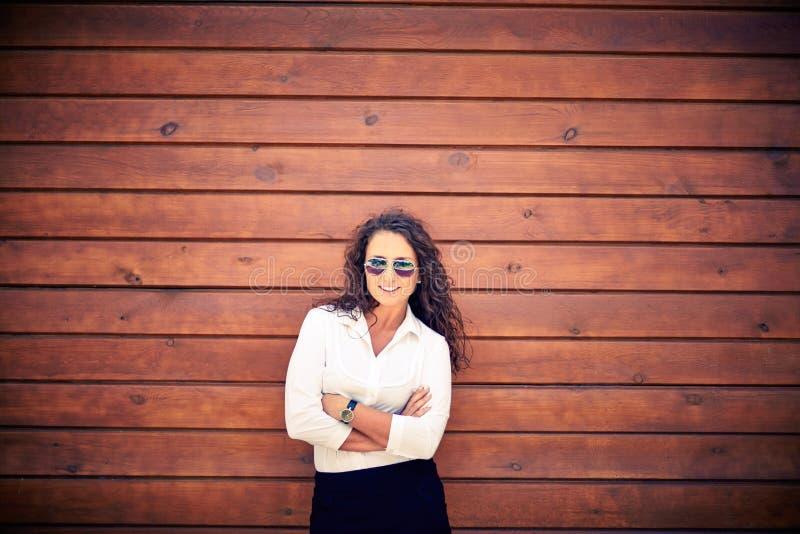 Vrouw in zonnebril royalty-vrije stock fotografie