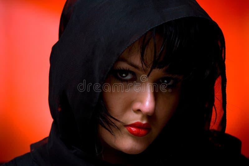 Vrouw in zwarte royalty-vrije stock foto's