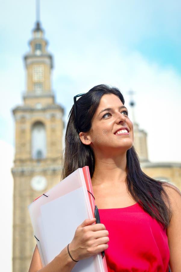 Vrouwelijk universitair studentensucces stock afbeeldingen