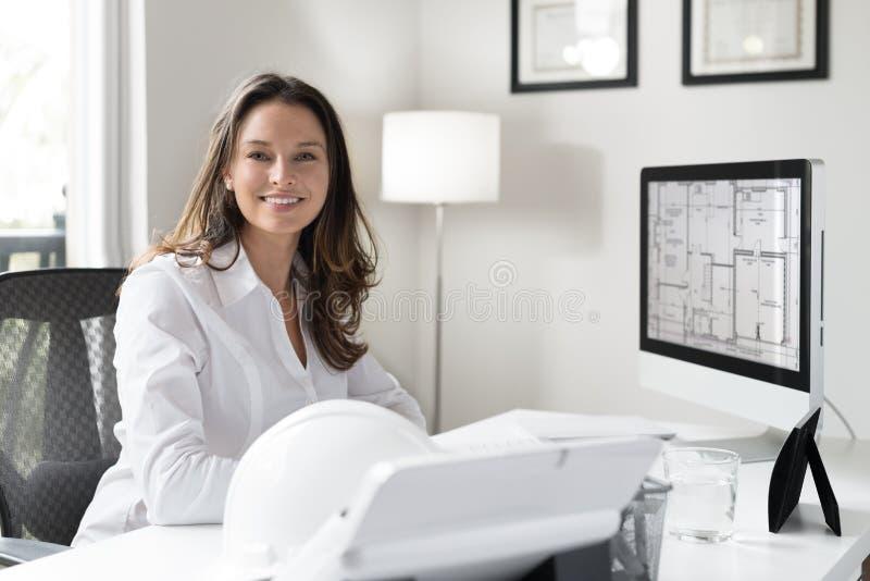 Vrouwelijke architect royalty-vrije stock afbeeldingen
