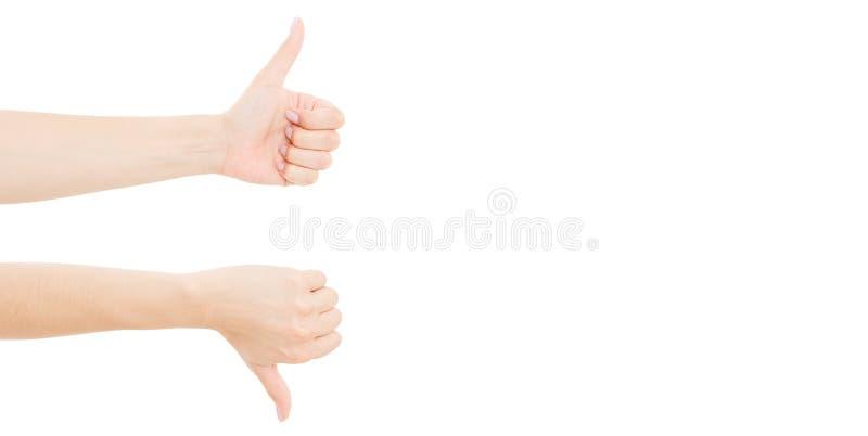 Vrouwelijke die handen zoals afkeersymbool, op witte achtergrond wordt geïsoleerd De goedgekeurde en ruimte van het verwerpingsex stock afbeeldingen