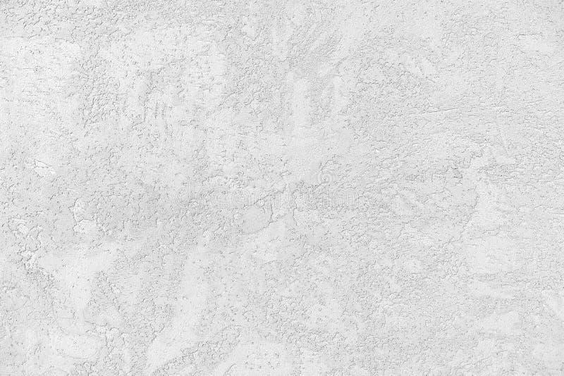 Vrouwelijke en mannelijke caucasiaanse handen geïsoleerde witte achtergrond met gebaarhart, liefde vrouwen en mannen die verschil royalty-vrije stock afbeeldingen