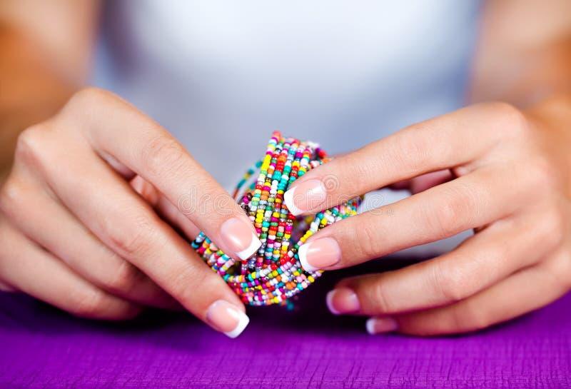 Vrouwelijke Franse manicure royalty-vrije stock afbeelding