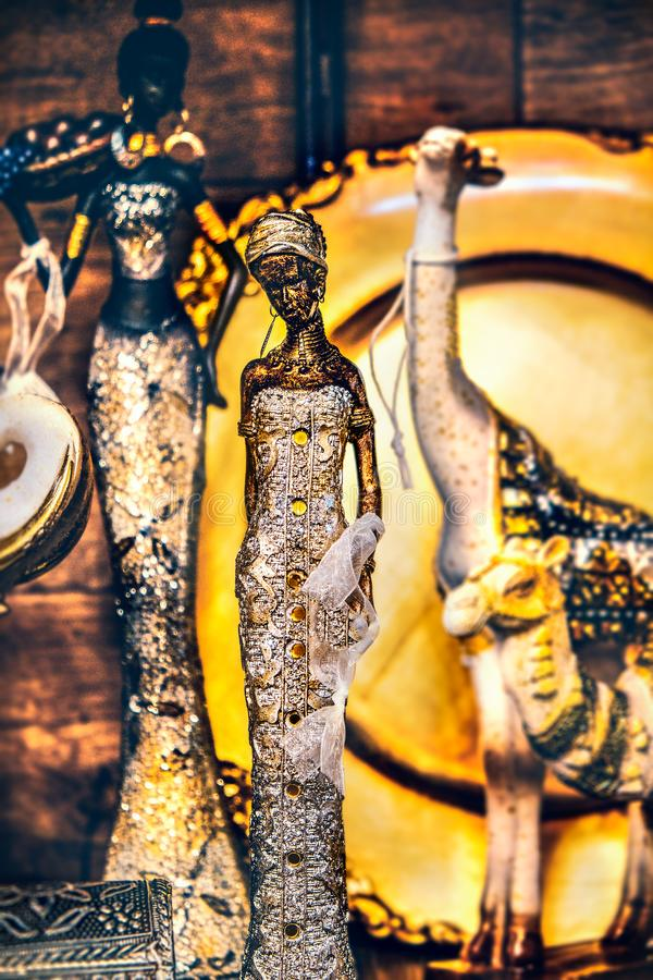 Vrouwelijke Indische standbeeld verticale achtergrond royalty-vrije stock foto