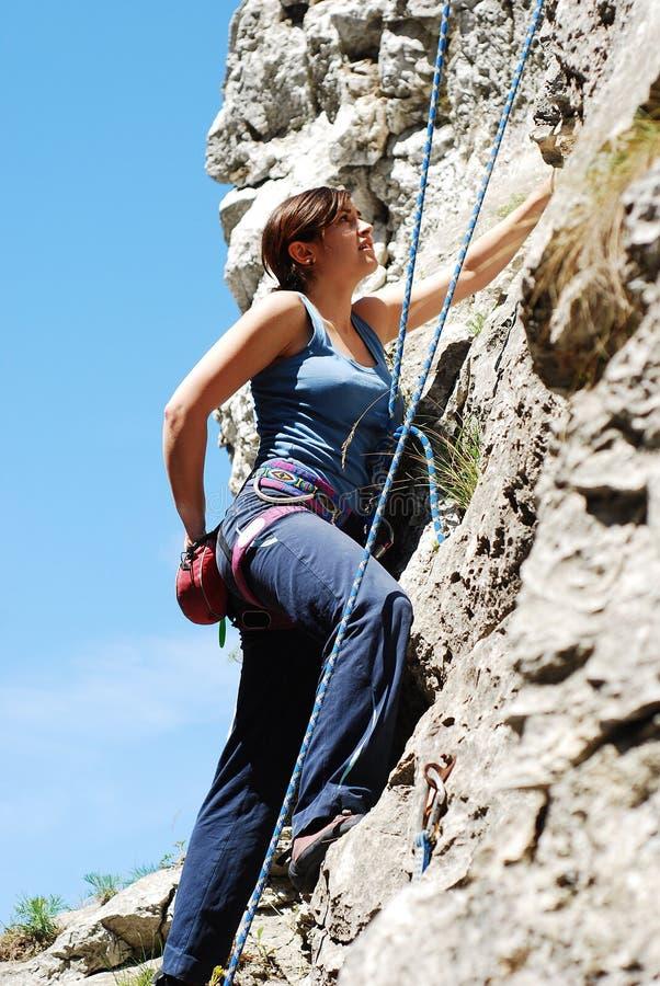 Vrouwelijke klimmer stock fotografie