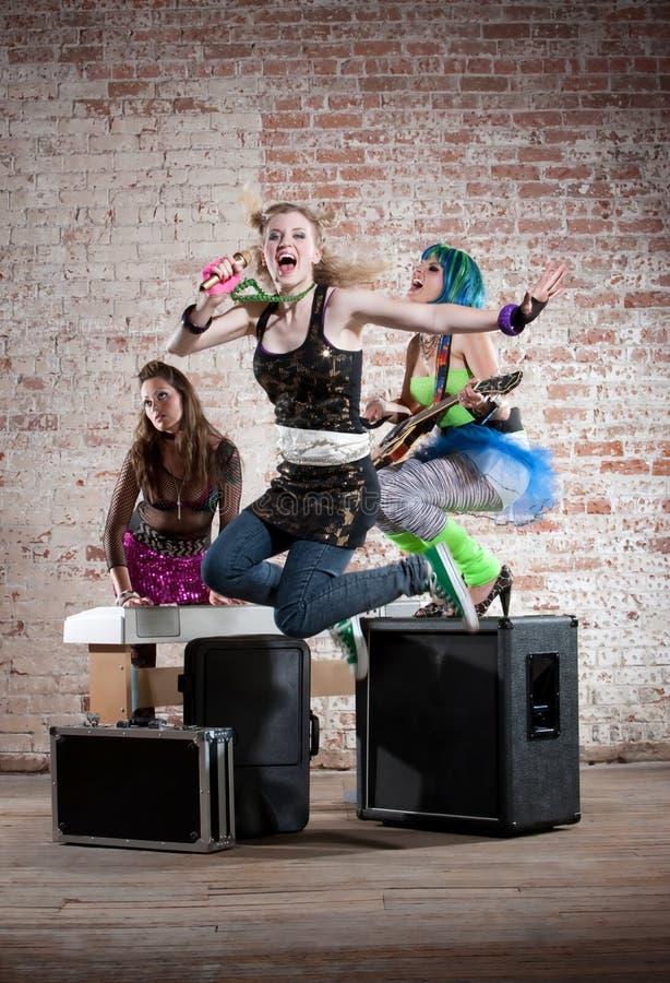 Vrouwelijke punkmuziekband royalty-vrije stock fotografie