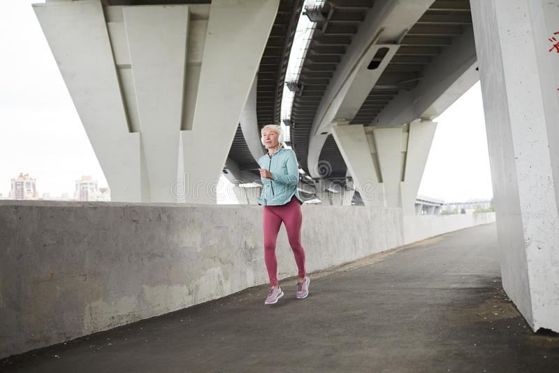 vrouwelijke sprinter stock afbeelding